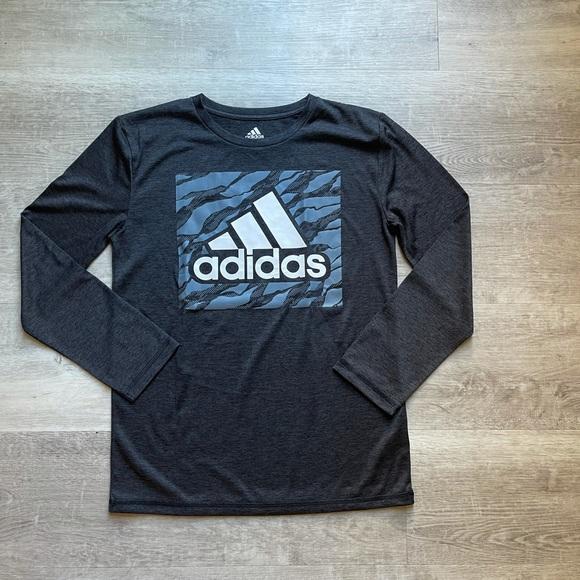 Adidas Boys Athletic tshirt size M (10-12)